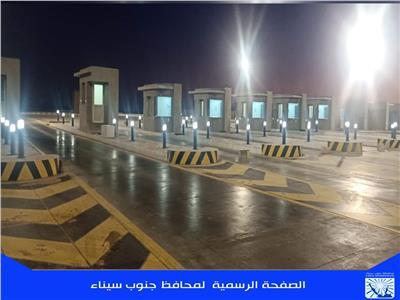 استكمال أعمال الإنارة والخدمات بطريق «النفق - شرم الشيخ»