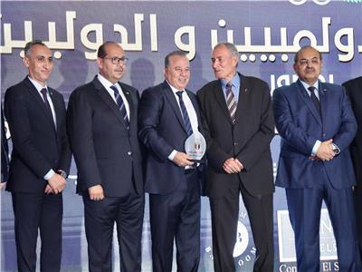 اللجنة الأولمبية تسلم جوائز الأفضل للموسم 2019/202