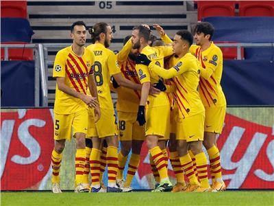 برشلونة يضرب فرينكفاروزي بـ«ثلاثية» في دوري الأبطال | فيديو
