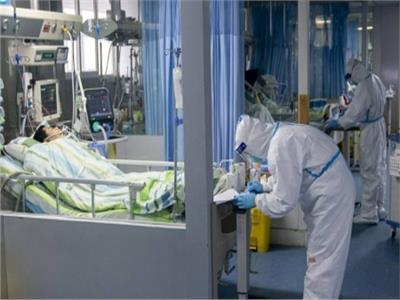 بعد دفنه| مريض كورونا يعود للحياة.. وزوجته: «عاوزة فلوس الجنازة»