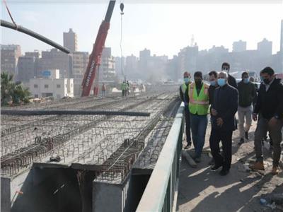 «الوزير» يتابع أعمال نقل المرافق المتعارضة مع تطوير الطريق الدائري.. صور