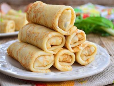 طريقة عمل «رولات» الكريب بالجبنة الرومي