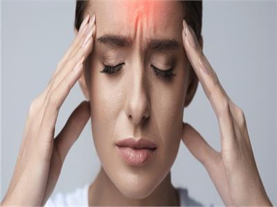 استشاري أعصاب: الصداع ليس مرضا وأغلب أسبابه خارج المخ