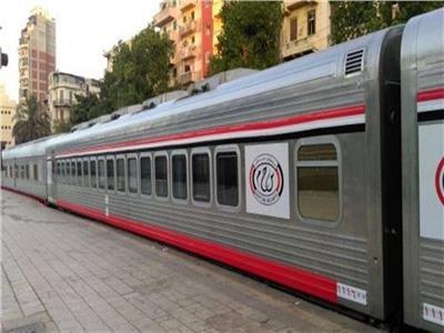 خروج عربتان من قطار ركاب عن القضبان.. والسكة الحديد: «لا إصابات»