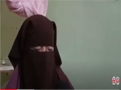 أسرة الطفلة ضحية تجريد ملابسها تكشف تفاصيل الواقعة.. فيديو