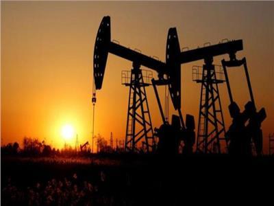 ارتفاع أسعار النفط مع تراجع مخزونات الوقود الأمريكية
