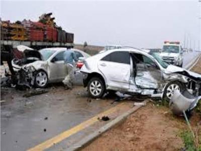 بالأسماء.. إصابة 4 أشخاص في حادث بطريق الصعيد بالمنيا