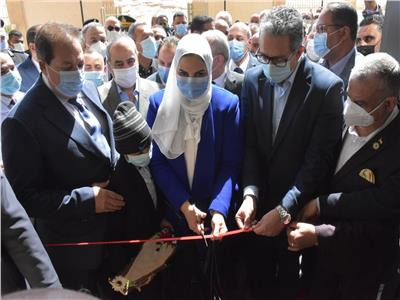 4 وزراء ونجوم المجتمع يفتتحون مستشفى لسرطان الأطفال بالصعيد