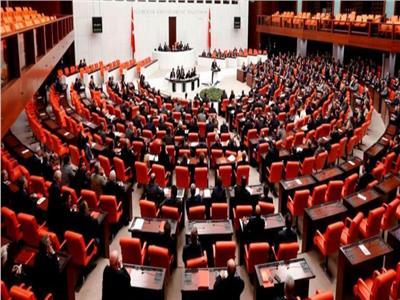 زعيم المعارضة التركية يتهم أردوغان بالتضييق على النواب