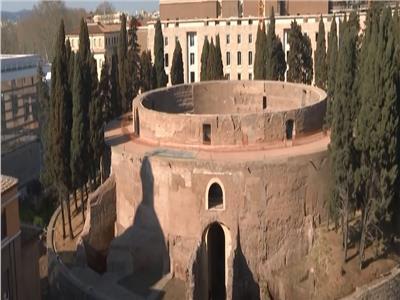 افتتاح ضريح الإمبراطور الروماني بعد 14 عاما من الإغلاق.. فيديو