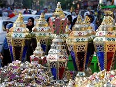 حبس صاحب مخزن بحيازته ١٣٢ ألف فانوس رمضان مجهولة المصدر بالقاهرة