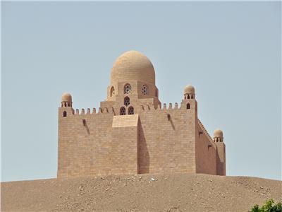 ضريح «الأغا خان » على طراز مقابر الفاطميين