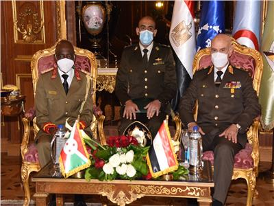 الفريق محمد فريد يلتقي رئيس قوات الدفاع الوطني البوروندي  صور وفيديو