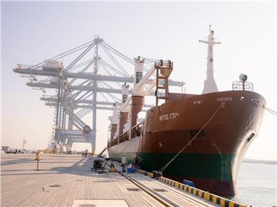 اقتصادية قناة السويس: 79 سفينة بالسخنة والأدبية وزيادة ملحوظة في حركة التداول
