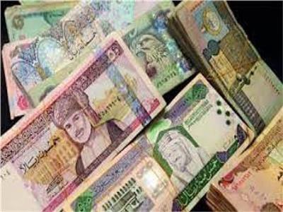 تباين أسعار العملات العربية أمام الجنيه بالبنوك