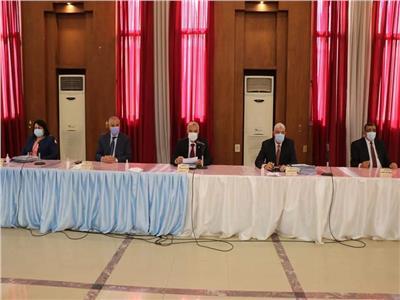 رفع المقررات إلكترونيا ومكافأة العيد.. أهم قرارات مجلس جامعة المنوفية