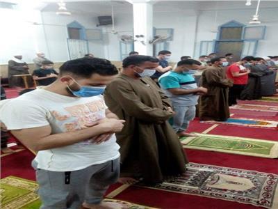 «أوقاف البحيرة»: التزام رواد المساجد في صلاة التراويح بالإجراءات الاحترازية