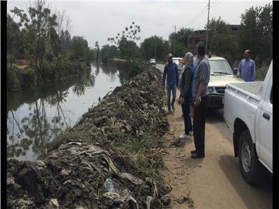 رئيس الوزراء يستعرض تقريرا عن جهود تطهير المجارى المائية بالمنوفية