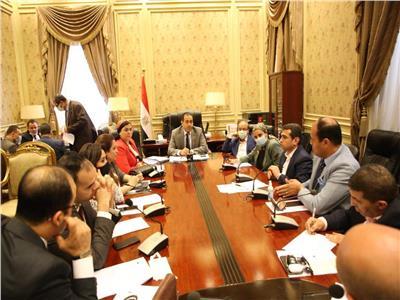 شد وجذب بين مسئولي الشباب والتخطيط في اجتماع «رياضة البرلمان»