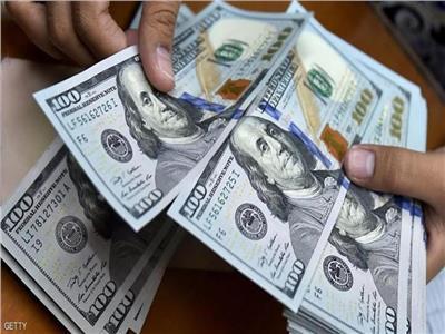 ننشر سعر الدولار أمام الجنيه المصري في البنوك بوقفة عيد الفطر 2021