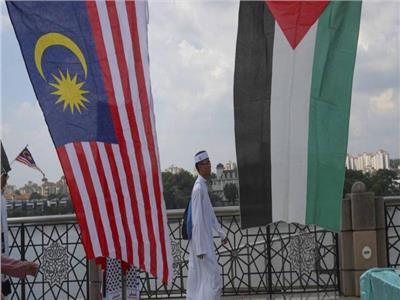 رئيس وزراء ماليزيا: سنواصل تقدیم المساعدات للفلسطینيين