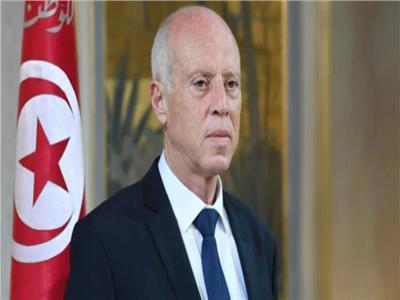تونس.. فتح تحقيق في محاولة اغتيال قيس سعيد عبر طرد مشبوه