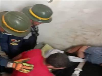 إنقاذ مريضة انهار عليها «سقف» بالإسكندرية| صور