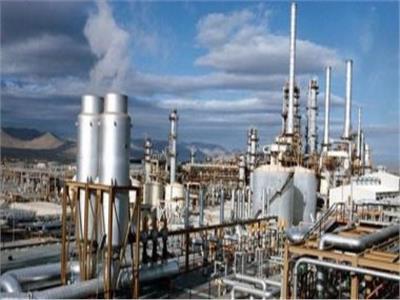 7 سنوات في عهد الرئيس السيسي.. تدشين 7 مشروعات جديدة لتكرير وتصنيع البترول