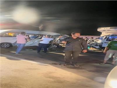 تفاصيل مصرع وإصابة 10 أشخاص فى تصادم مروع بالطريق الصحراوي بالبحيرة