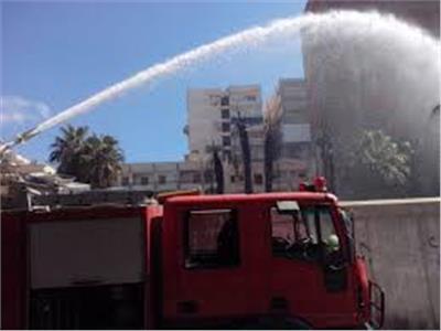 إصابة ضابط وأمين شرطة باختناق في حريق هائل بالفيوم