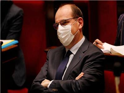 رئيس الوزراء الفرنسي للمصريين بأحد أسواق باريس: السيسي زعيم العرب