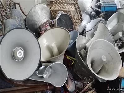 لمنع الضوضاء : مصادرة كميات كبيرة من مكبرات الصوت بالتكاتك في الدقهلية