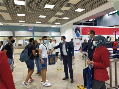 أولى رحلات فلاي دبي تصل مطار شرم الشيخ | صور