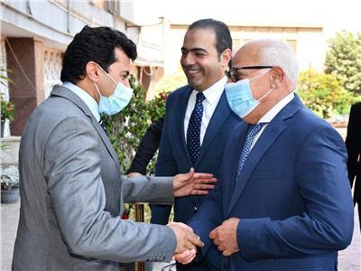 محمود حسين يكشف آخر تطورات ستاد المصري والمدينة الرياضية في بورسعيد