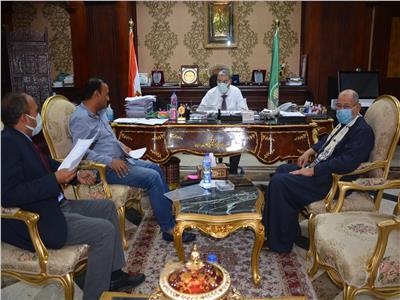 محافظ المنيا يلتقي بـ«النواب» لمناقشة القضايا الخدمية