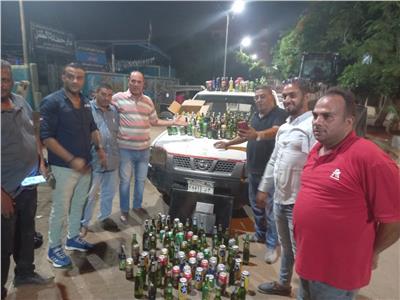 غلق وتشميع «كشك» مخالف يبيع مواد كحولية في أوسيم