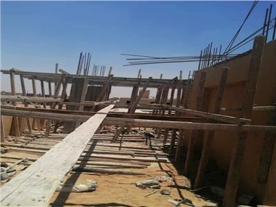 وقف بناء بـ«ابني بيتك» وإزالة مخزن قصب ومزرعة دواجن ببدروم عمارة | صور