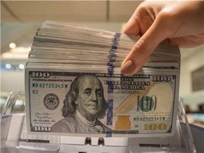 استقرار سعر الدولار في ختام تعاملات أمس مسجلا 15.74 جنيه