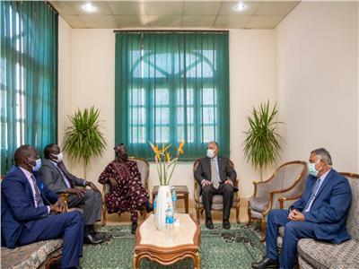 رحلة نيلية للوفد السوداني بحضور وزير الرى وعدداً من المسئولين