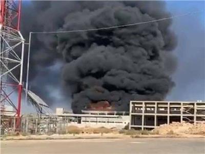 إصابة 8 أشخاص في حريق ضخم في المدينة الصناعية بحلب