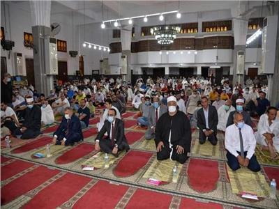 تطهير وتعقيم المساجد قبل وبعد صلاة الجمعة بالإسماعيلية