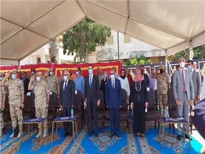 محافظ بورسعيد  يتفقد مخيم الإيواء العاجل بمعسكر الكشافة