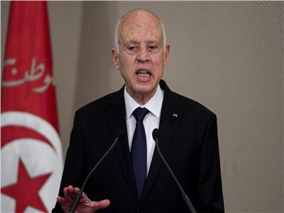 الرئيس التونسي يحذر من محاولات التوظيف السياسي لملف الهجرة غير الشرعية