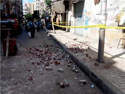 انهيار جزء خرساني من عقار بالعامرية في غرب الإسكندرية