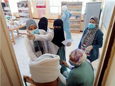 علاج 452 حالة طبية و 714بيطريةفي قافلة جامعة القناة بقرية التقدم بالإسماعيلية