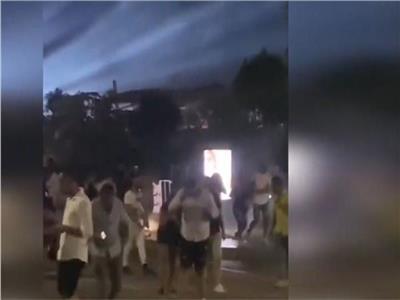 مصدر أمني ينفي إطلاق «قنابل غاز» خلال حفل عمرو دياب بـ«العلمين»