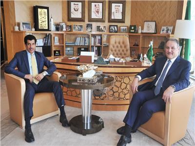 سفير قطر بالقاهرة يبدأ نشاطه الدبلوماسي بلقاء نظيره السعودي