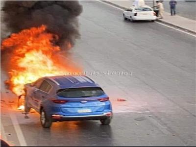 شاهد لحظة حريق سيارة ملاكي بأكتوبر| فيديو