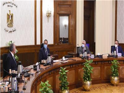 رئيس الوزراء يتابع الموقف التنفيذي للمشروع القومي لتأهيل الترع