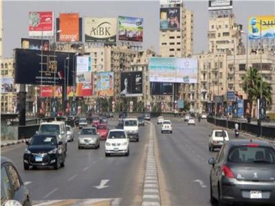 الحالة المرورية.. انتظام حركة السيارات بطرق ومحاور القاهرة والجيزة